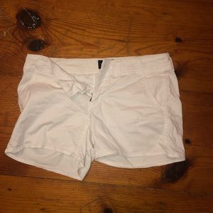 American Eagle 🦅 stretch shorts - white. medium